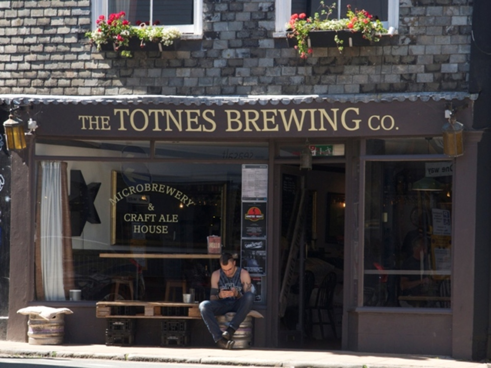 A Day in Totnes: Shopping, Eating Out and Things To Do